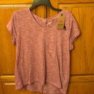 Striped V-neck T-shirt.